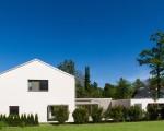 1_Einfamilienhaus_Muenchen_Satteldach_Putzfassade_Innenhof_Garten