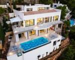 1_villa_mallorca_kueste_pool_meer